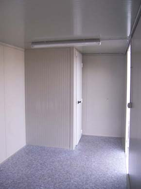 bungalow-sanitaire-6m-as4-interieur-piece-toilette.jpg