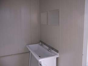 lave-mains-bungalow-sanitaire-6m-5wc-2urinoirs.jpg